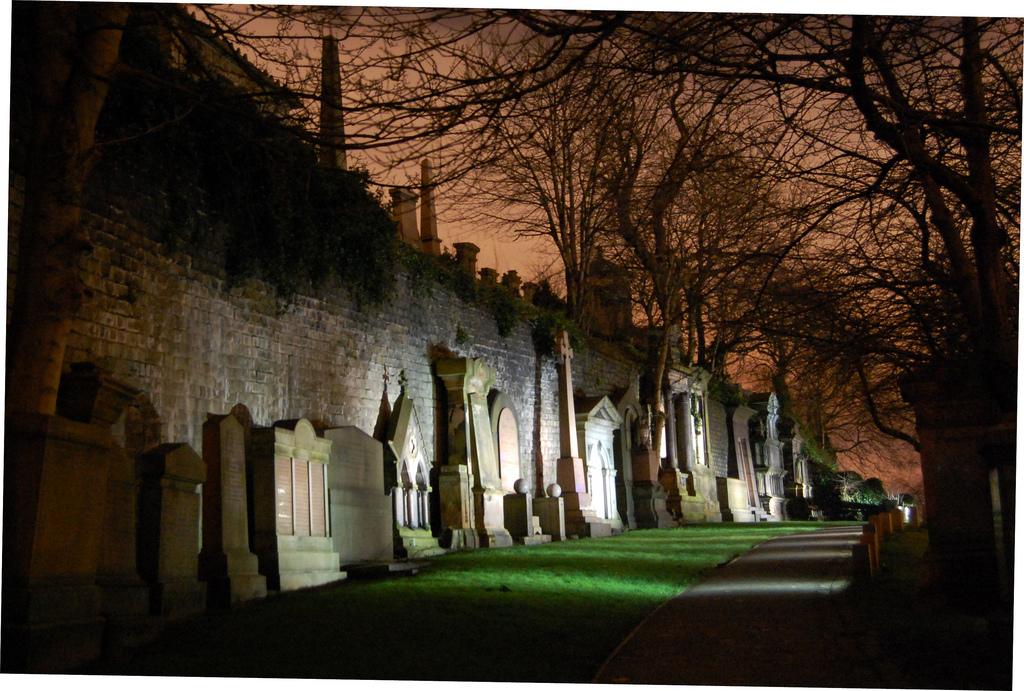 Halloween - Glasgow Necropolis